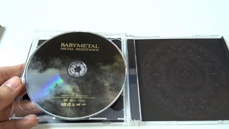 babymetal-metal-resistance-cd-dvd-review3