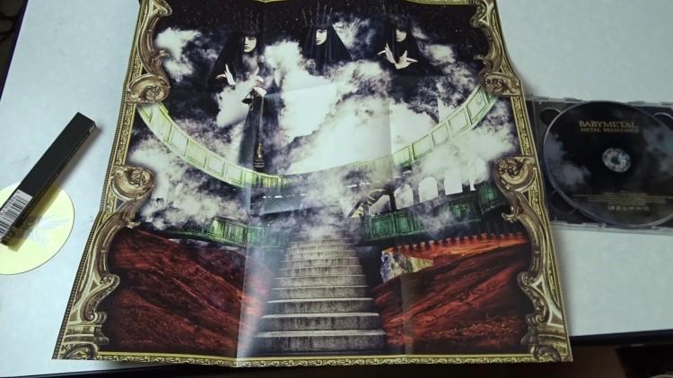 babymetal-metal-resistance-cd-dvd-review5